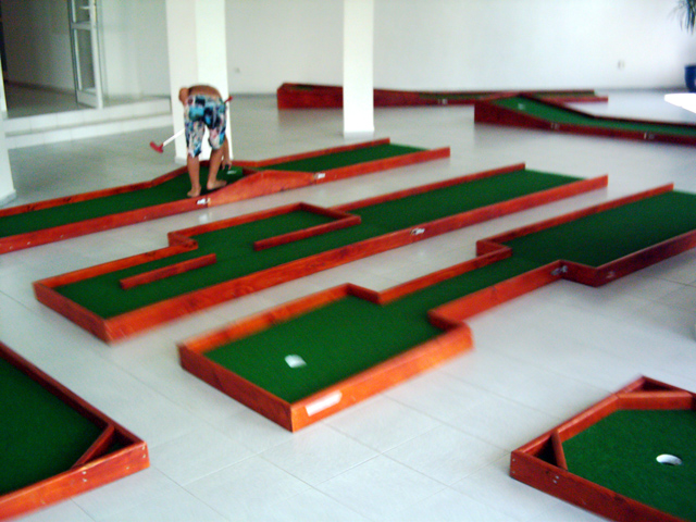 mini golf and putt putt obstacles for all types of miniature golf ...
