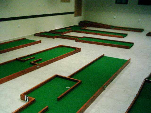 ... Indoor Miniature Golf