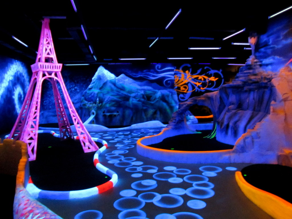 unique indoor miniature golf